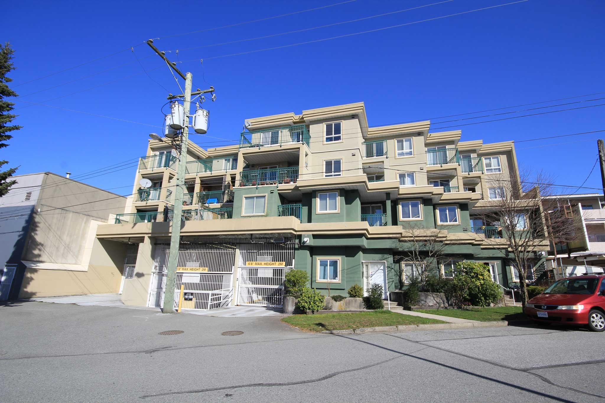 #Ph9 – 868 Kingsway, Vancouver