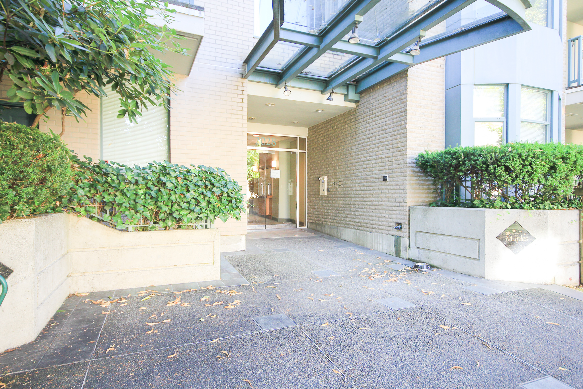 #308-2028 W 11th Ave, Vancouver