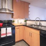 Granite Countertop Kitchen 140-233 Eton Street